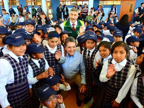 Alcalde Manuel Vera y Gerente de Asuntos Corporativos Pablo de la Flor inauguraron ambientes